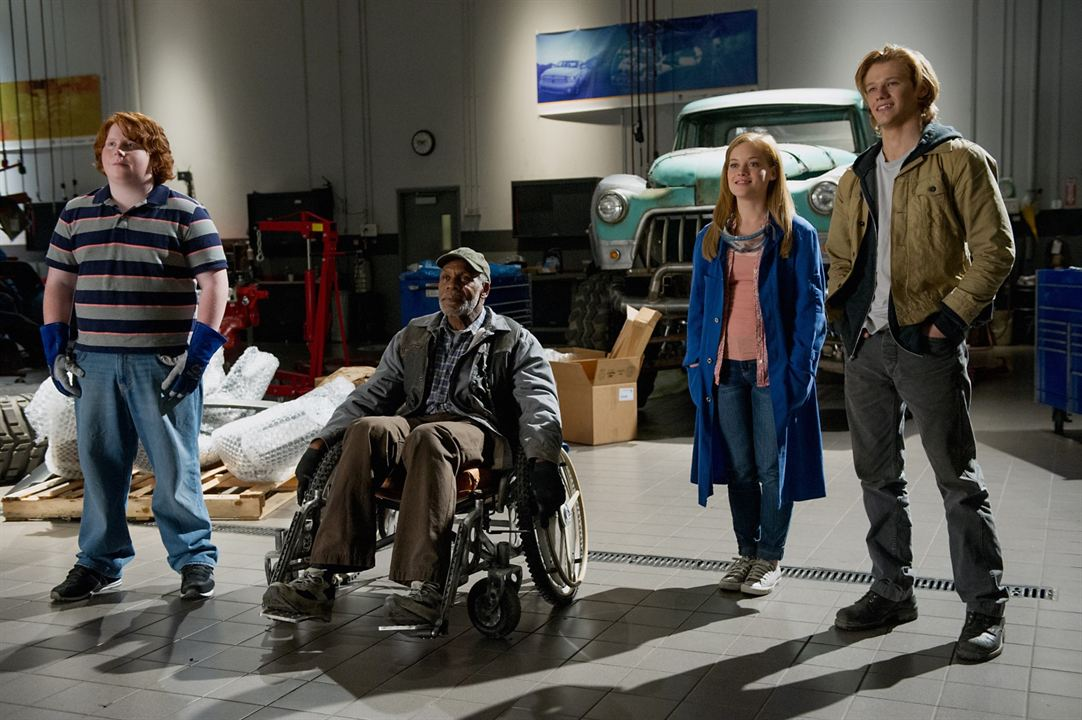 Monster Trucks : Foto Danny Glover, Jane Levy, Lucas Till, Tucker Albrizzi