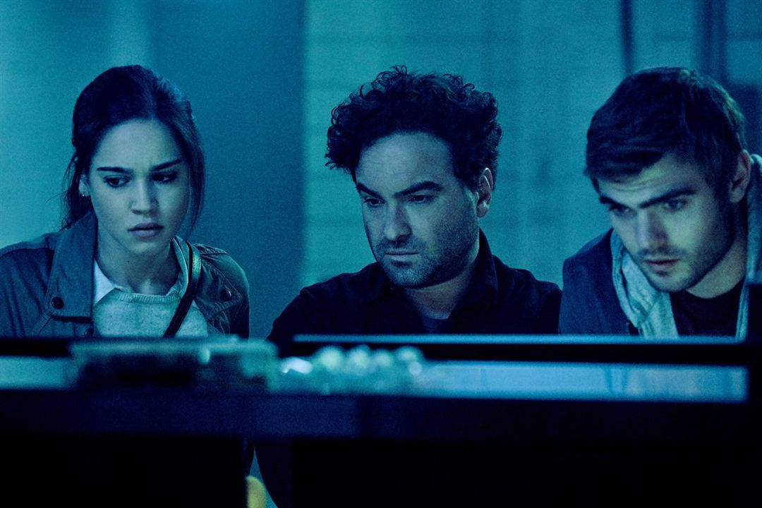 Rings : Foto Alex Roe, Johnny Galecki, Matilda Lutz